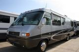 2004 Airstream Land Yacht 30' Gas Class A Motorhome