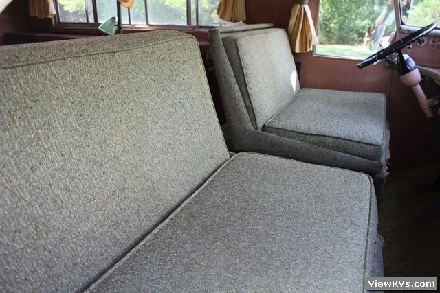 ViewRVs com - 1967 Ultra Van 22' Motorhome (297)
