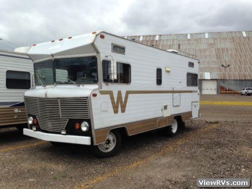 1973 Winnebago Brave D21 21' Motorhome (A) | ViewRvs.com