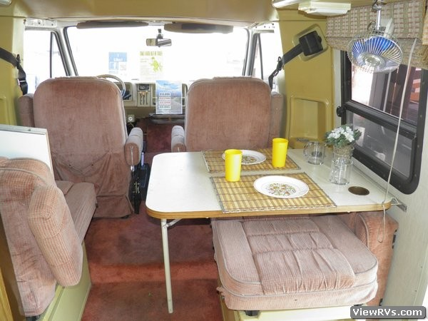 Used Couches For Sale >> 1986 Winnebago LeSharo 220 Motorhome (A) | ViewRvs.com