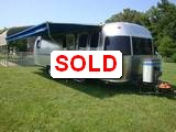 2000 Airstream Excella 1000 30' Travel Trailer (B)