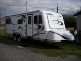 2008 Bigfoot 25' 25B25RQ Travel Trailer